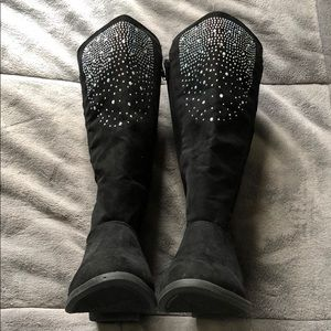 NWOT Girls (size 3) Boots